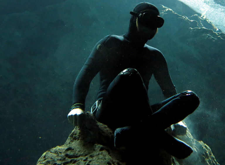 Image freediving header diversion